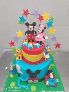 Mickey and Family Fondant Cake