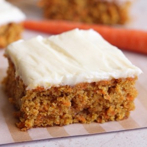 Carrot Cake with Lemon Icing (slice) 70gms
